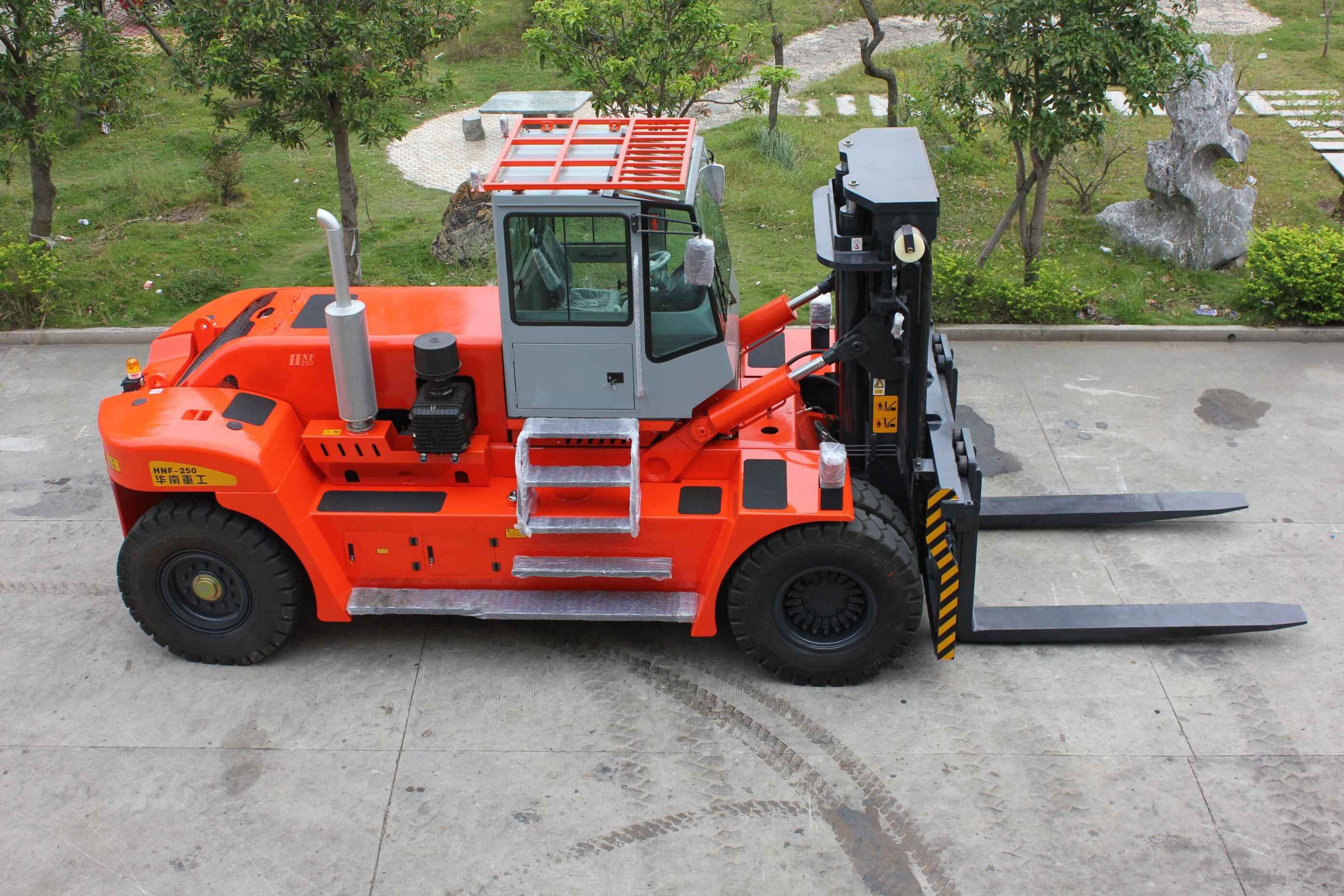 HNF250全自由提升内燃平衡重式叉车(船用叉车)